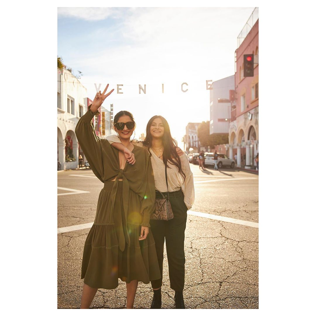 Sonam Kapoor  A photo at the Venice sign is a must!  Right  Cali vibes, w Wallpaper