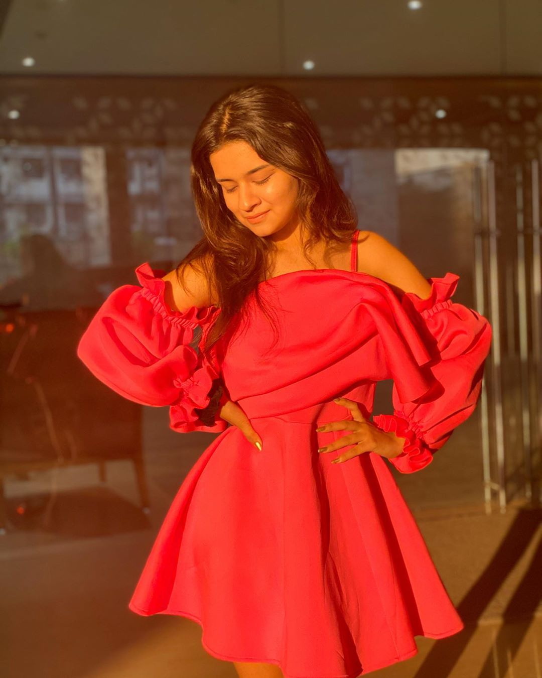 Avneet Kaur Wallpapers, Photos, Images &Amp; Pictures My Happy Dance When I Get To Know We're A Family Of 8 Millionnnnnnnnnn Love You
