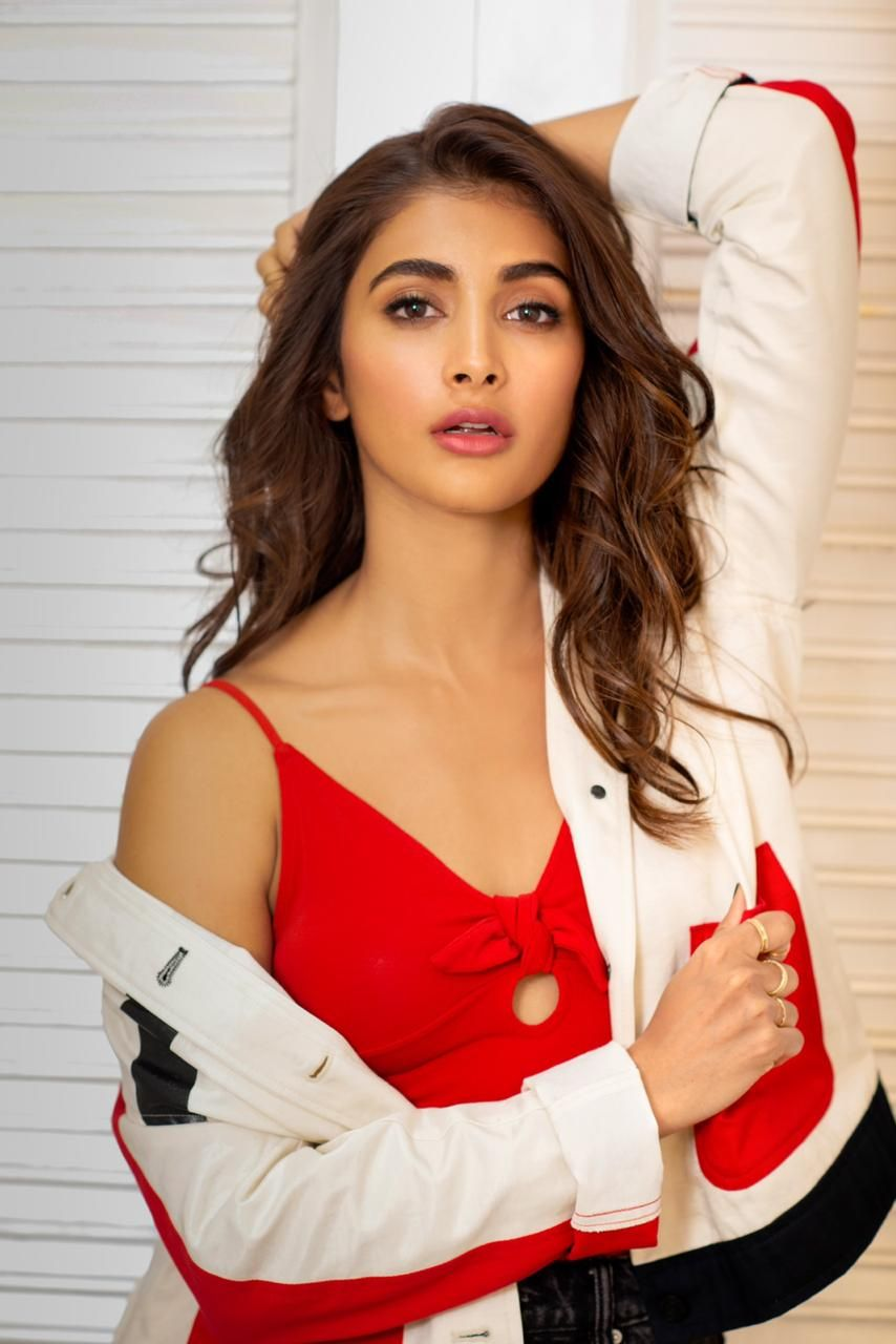Pooja Hegde Latest Photoshoot 1080p HD Images Free Download