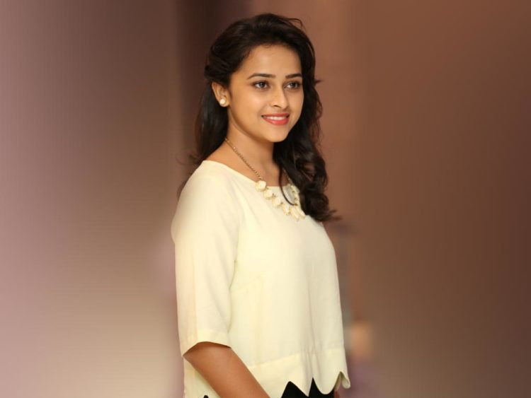 Best Sri Divya Wallpapers 1080p Hd Pictures, Images & Photos