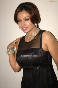Asha Saini Image 38 | Telugu Heroines Posters,Photoshoot, Wallpapers