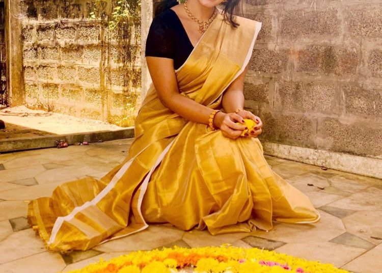 Malavika Menon Wallpapers 1080P Hd Best Pictures, Images &Amp; Photos