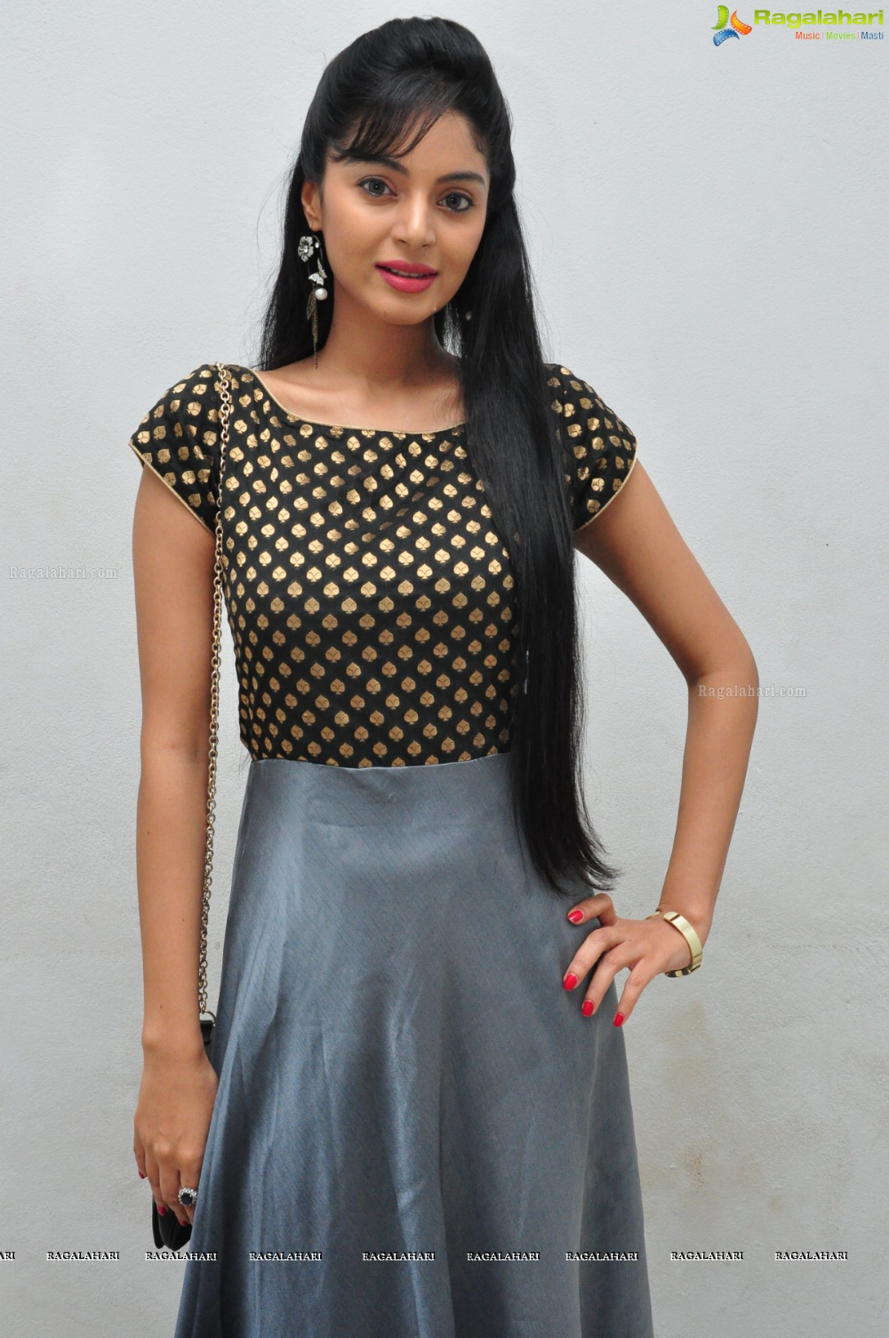 Sanam Shetty Image 11   Telugu Actress Posters,Images, Pics, Pictures, Photoshoot, Wallpapers