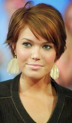 Super Cute Short Haircuts For Round Faces