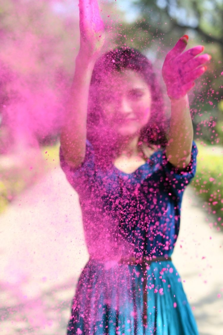 Holi Photoshoot Style and Ideas