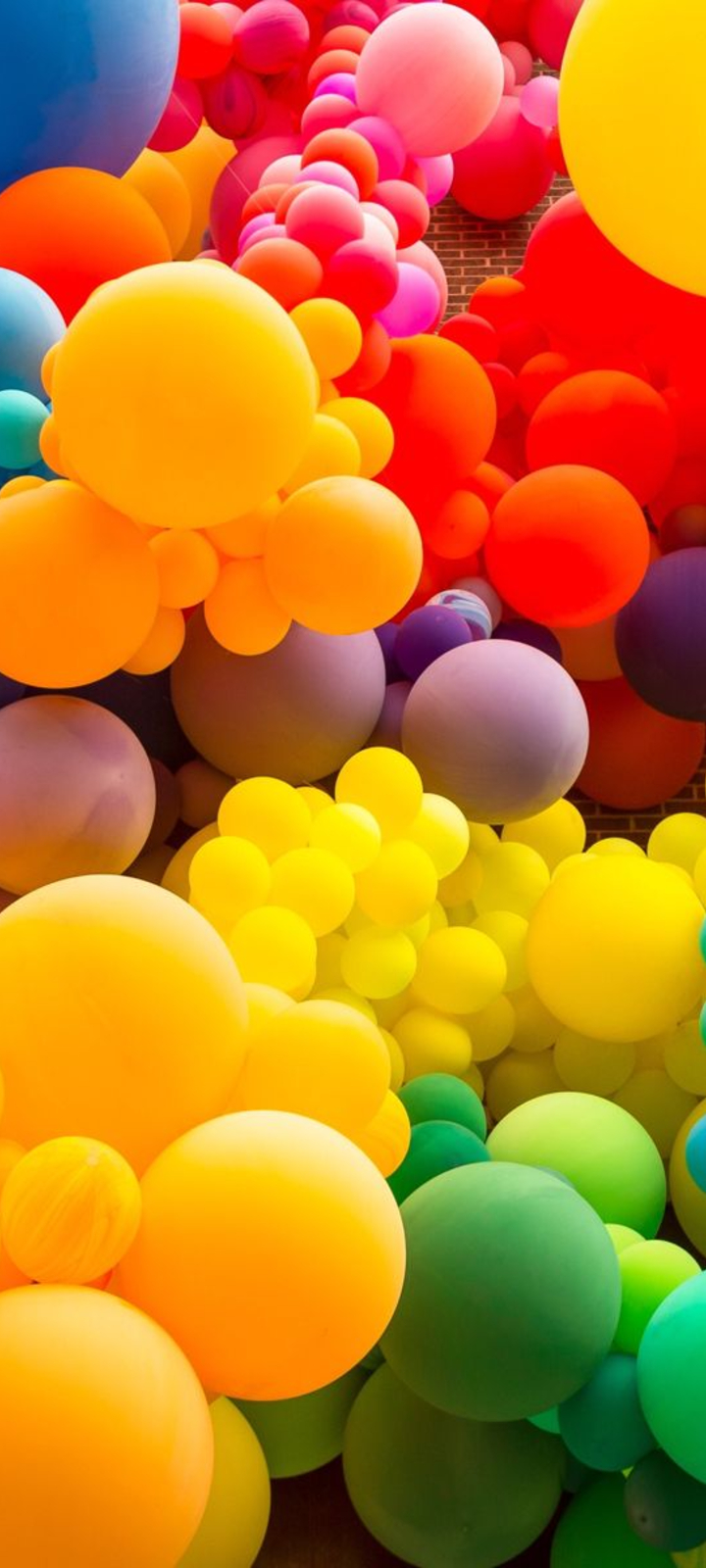 Realme V3 Balloons Wallpaper