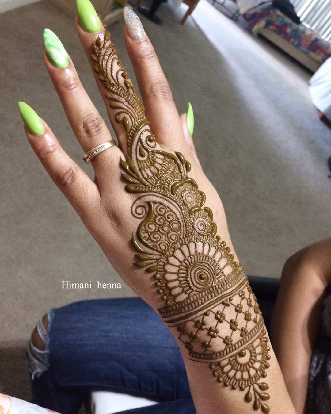 Simple Mehndi Designs - Easy Peasy Yet Beautiful